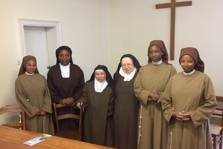 Les sœurs Clarisses vont remplacer les Carmélites à Cornillon