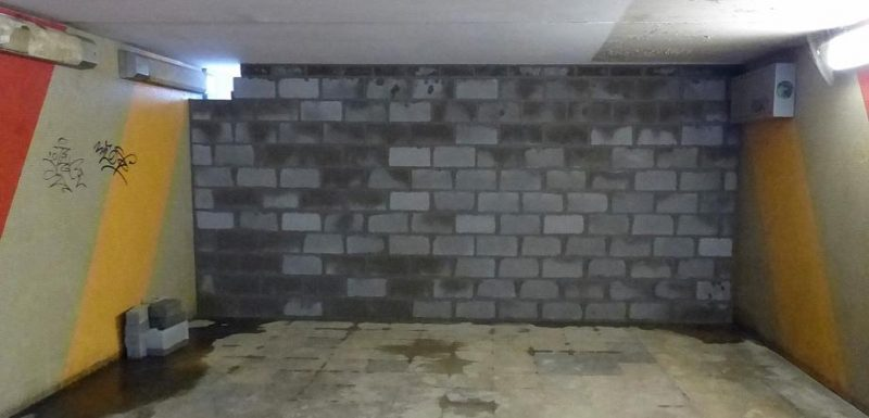 Le tunnel sous la gare des bus à Hocheporte fermé: dispositif anti-SDF?