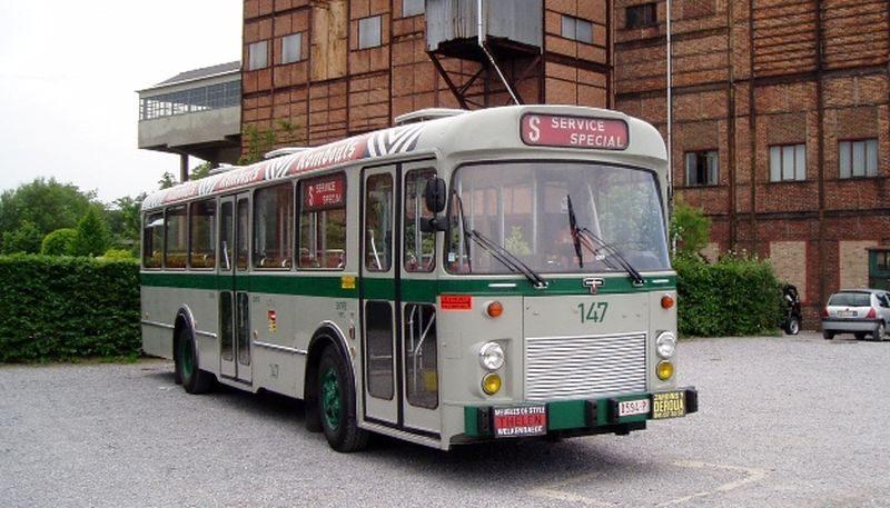 Visite des parcs de Liège en transports en commun vintage