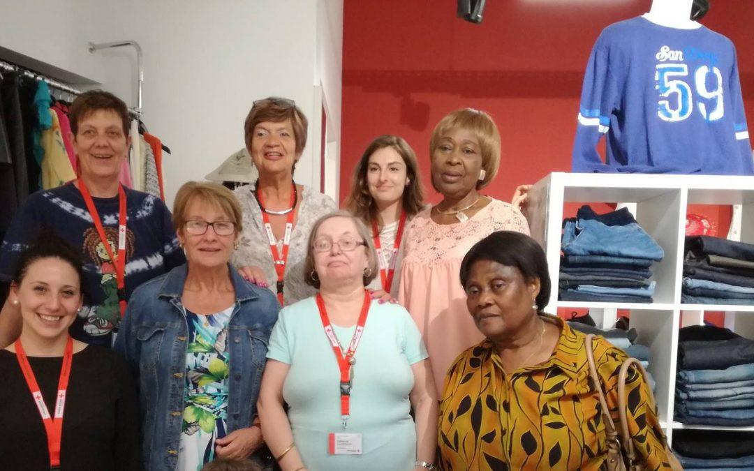 La Croix-Rouge ouvre une boutique de vêtements à moitié prix