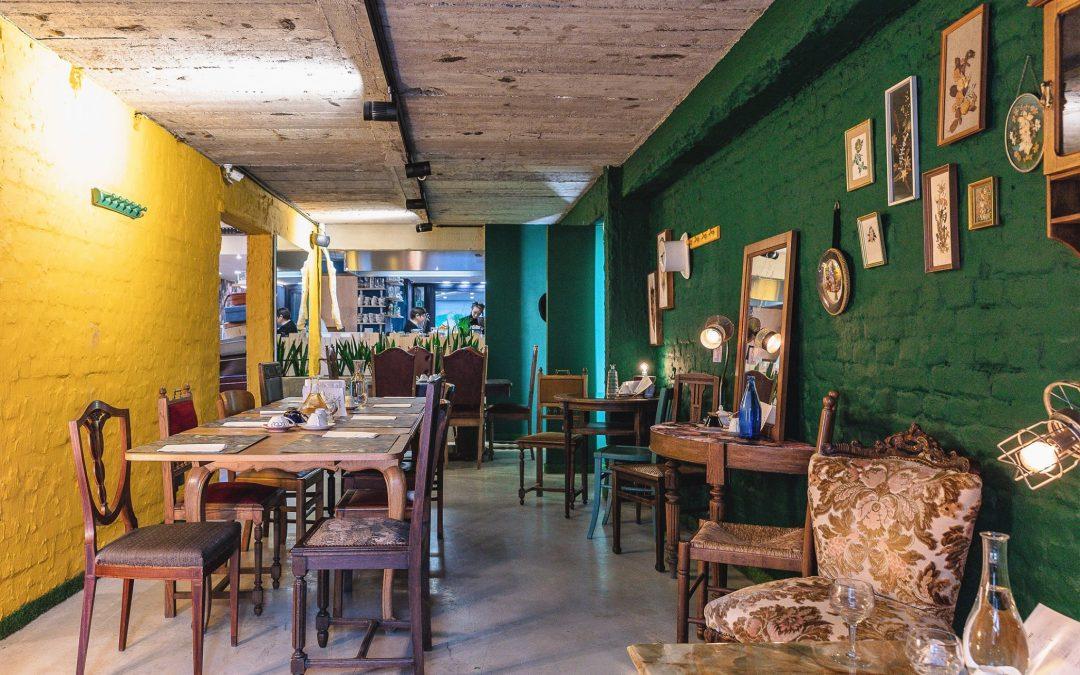 """Un salon de thé zéro déchet sur le thème d'""""Alice au Pays des Merveilles"""" rue des Carmes"""