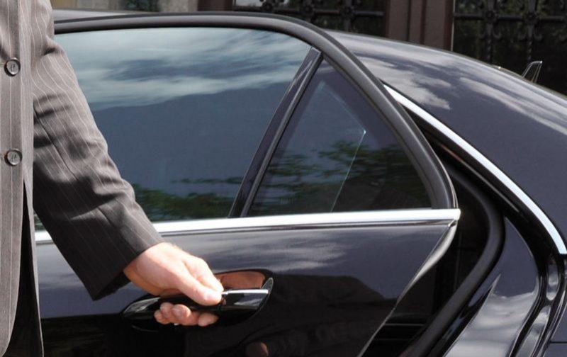 Les 9 échevins liégeois doivent-ils conserver une voiture avec chauffeur ?