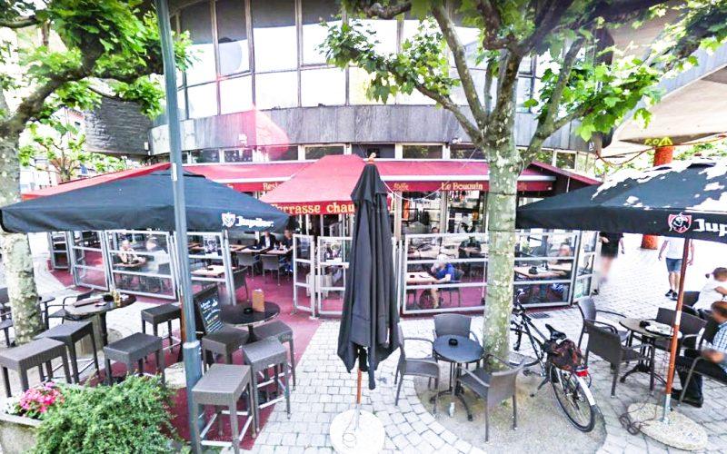 Toujours pas de repreneur pour le café Le Bouquin place des Carmes mais Gérard Miller reste dans les parages