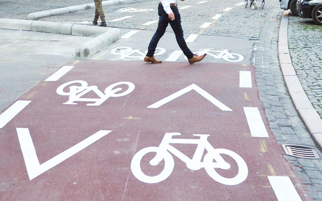 Les 3 cyclistes qui avaient peint eux-mêmes une piste cyclable rue Hors-Château iront au tribunal