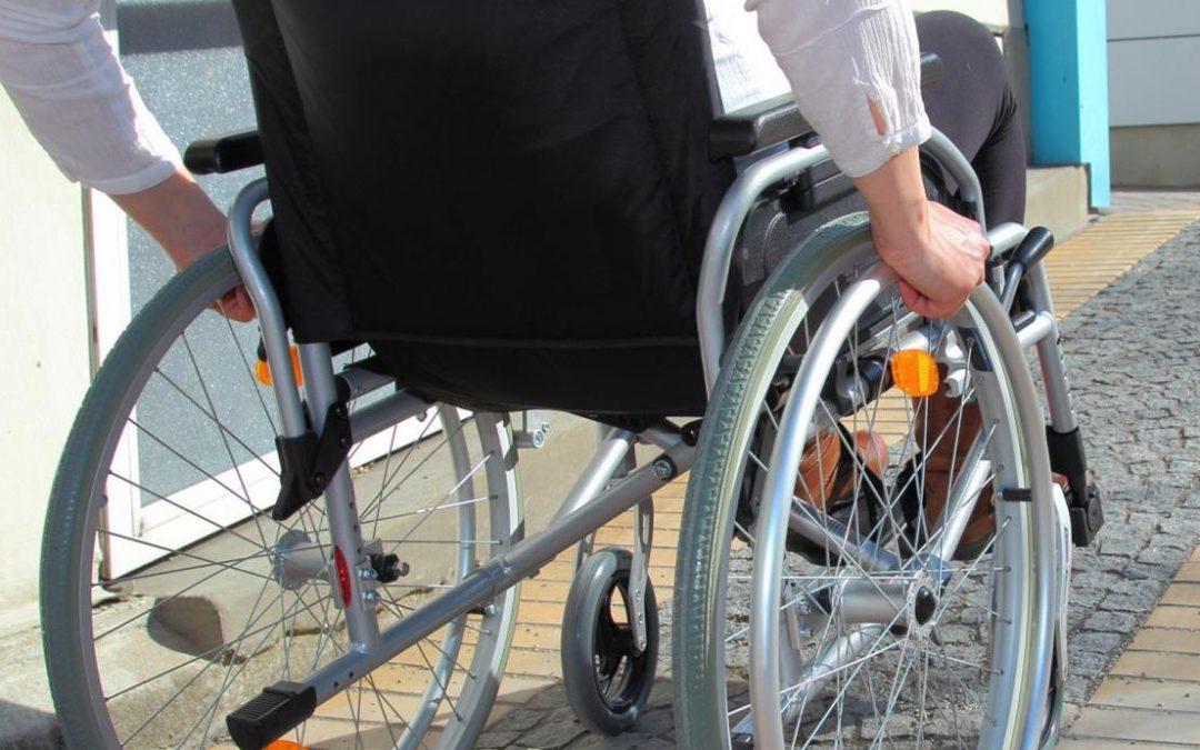 Des kits d'accessibilité aux personnes handicapées pour les commerces établissements touristiques remboursés à 50%