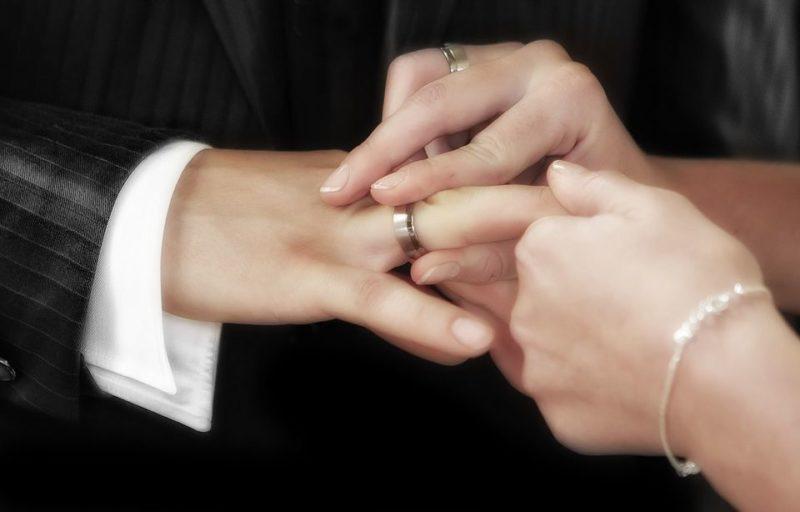 Réitérer ses vœux de mariage aujourd'hui pour la Saint-Valentin: il reste des places
