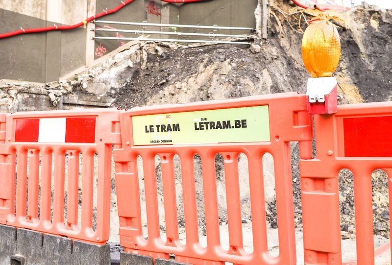 Mise à l'arrêt officielle du chantier du tram et incertitude quant à la date de reprise