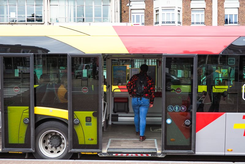 Fin de la limitation du nombre de voyageurs dans les bus