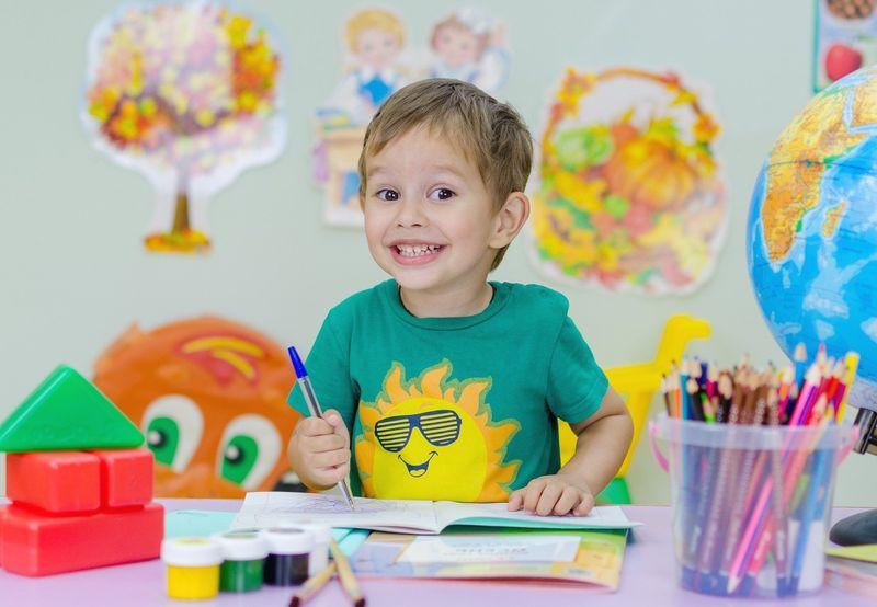 Les écoles maternelles de la Ville de Liège rouvrent finalement ce mardi et les primaires lundi prochain