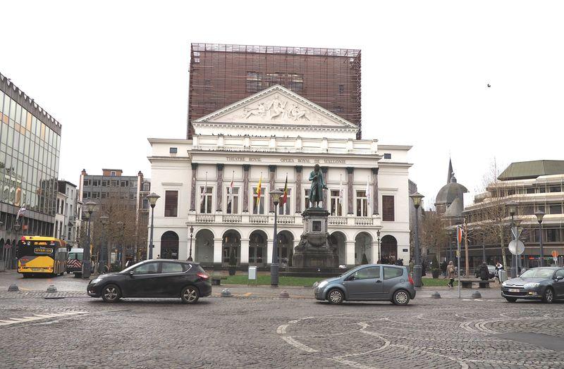 La Ville envisage la piétonnisation des places Xavier Neujean et de l'Opéra