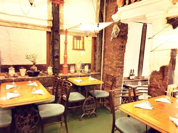 Le restaurant La Divina est à remettre en Roture