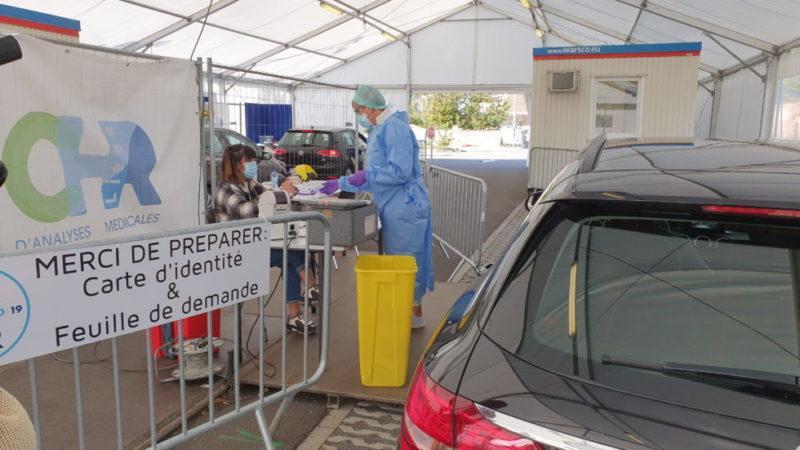 Les centres de dépistage Covid des hôpitaux liégeois sont débordés