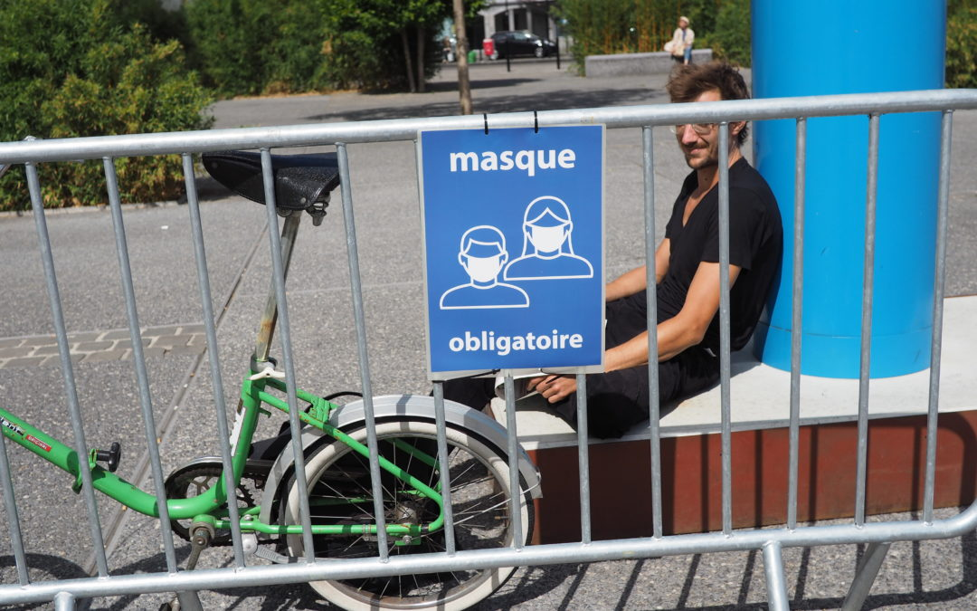 """13.000 personnes adhèrent au groupe """"Masques et antimasques"""" d'un avocat liégeois"""