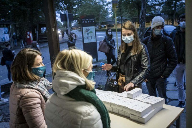 "L'ULiège distribue des kits de test coronavirus gratuits afin de ""screener"" ses 30.000 membres"