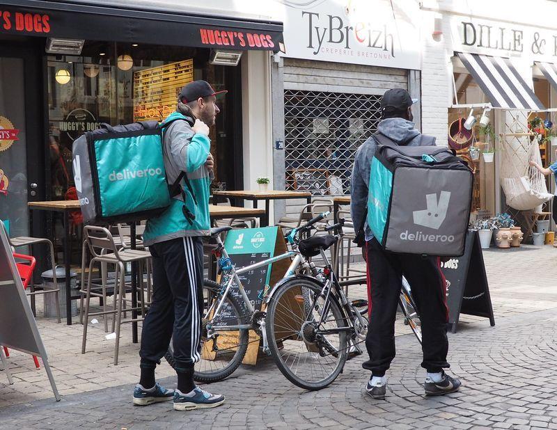 Deliveroo dégaine réductions et distribution de pourboires pour aider les restaurateurs