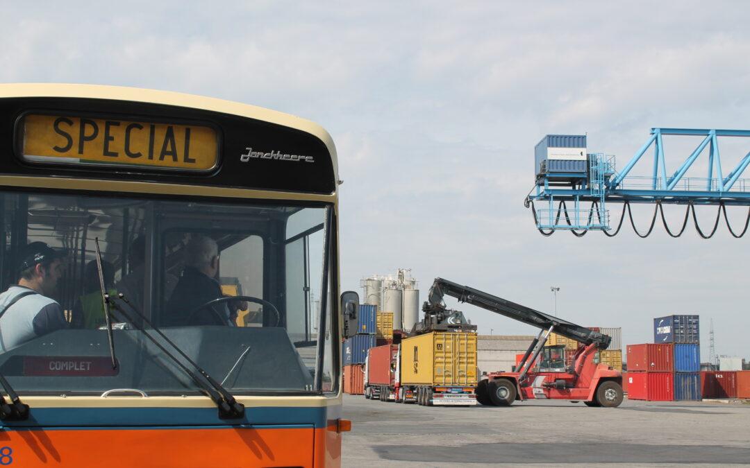 Agenda ► Visite exclusive du Port autonome de Liège en bus ancêtre – Festival de promenade
