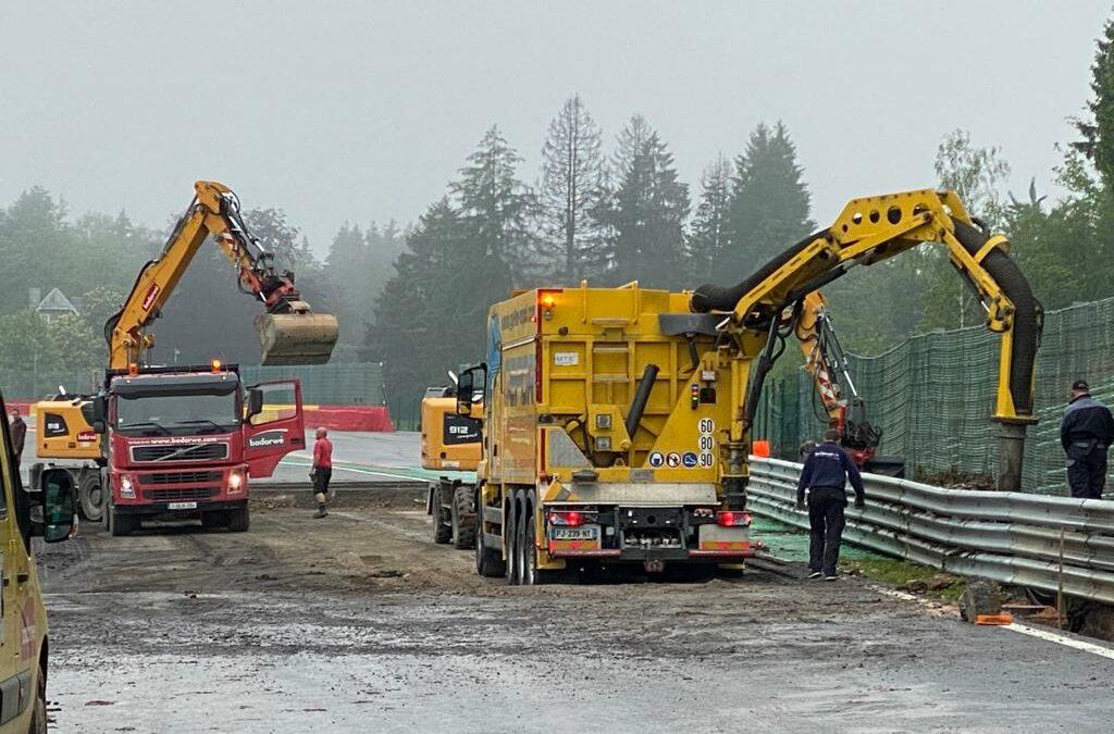 La piste s'est soulevée à Spa-Francorchamps suite aux inondations