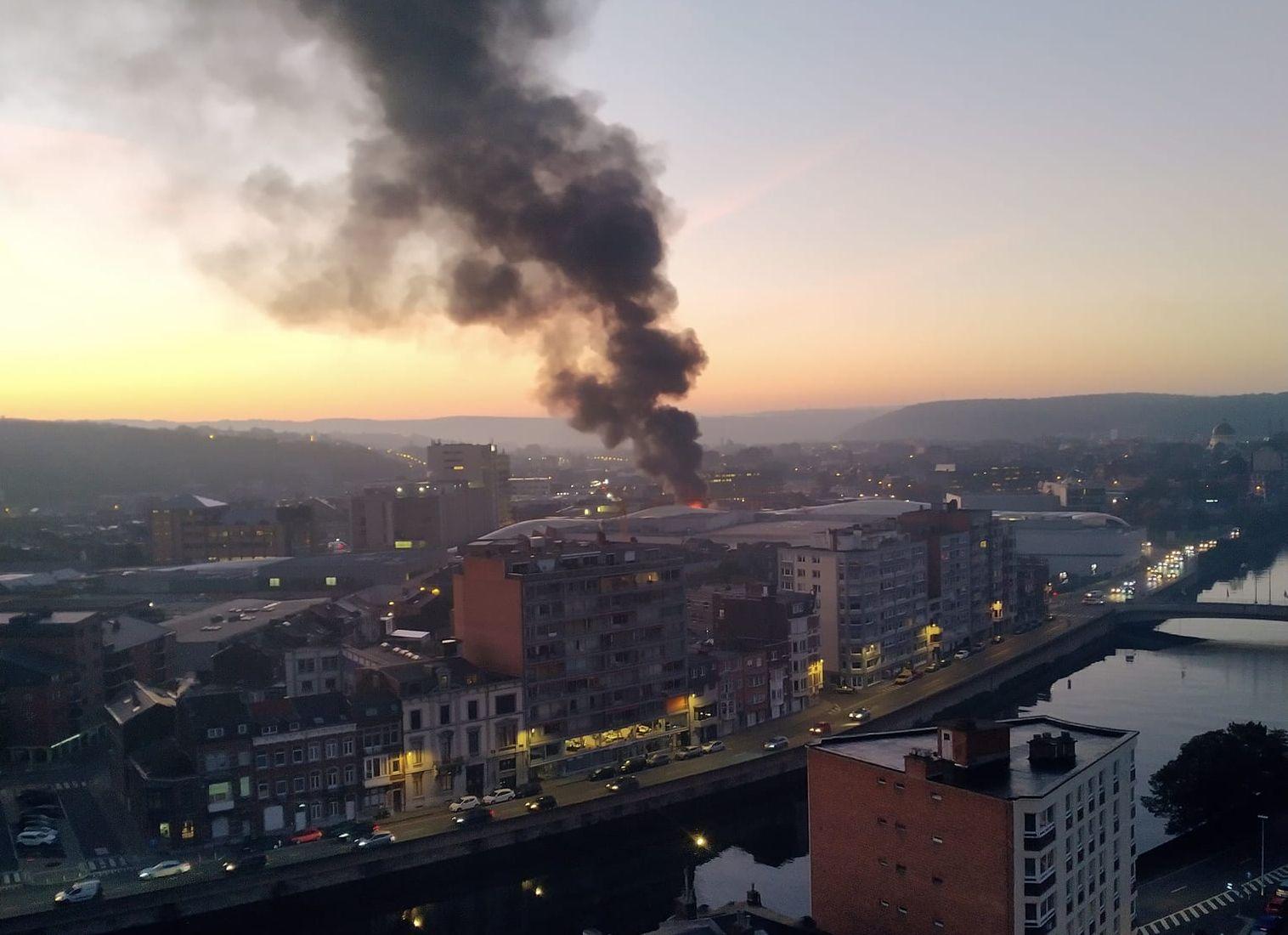 Important incendie ce matin près de la Médiacité